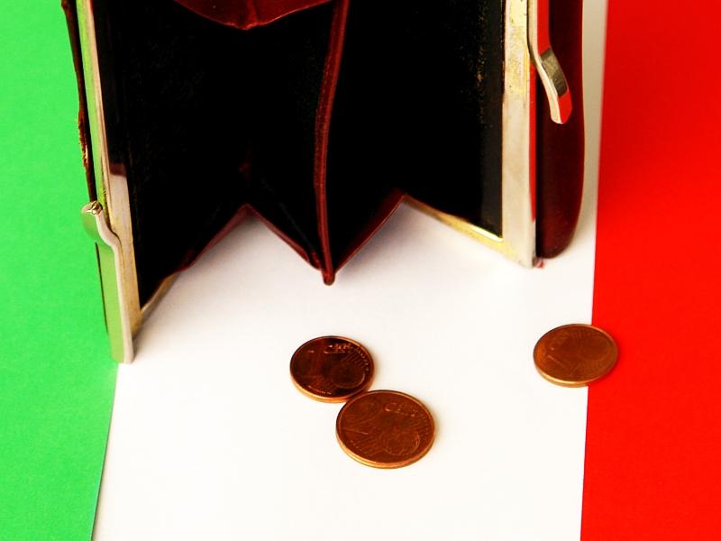 Ausgeplündert. Italien. Verfügungsgewalt über Geld und Finanz in die Hände derer, die das Geld erschaffen.