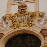 15. Königlich. Zwei Wappen.