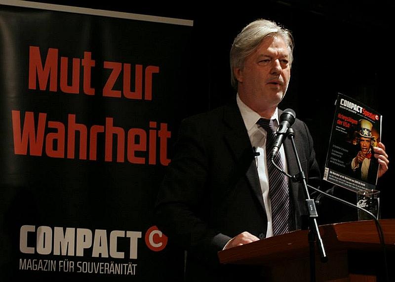 Der aus Ellmendingen stammende Jürgen Elsässer ist .