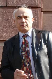 Stellt Petitionen an das Europäische Parlament. Bürger- und Menschenrechtsverletzungen. Prof. Dr. Aris Christidis.