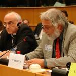 ARCHE-Foto Keltern-Weiler Brüssel Europäisches Parlament Aktivist gegen kid - eke - pas und Petent Thomas Porombka_01
