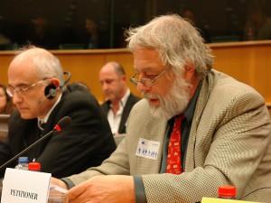 Vorkämpfer und Petent. Thomas Porombka bringt es auf den Punkt: Deutsche Rechtspraxis knallharter Verstoß gegen diese internationalen Konventionen.