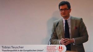Brüssel. Tobias Teuscher vom Europäischen Parlament spricht zu EURO und Nicht-Familie.