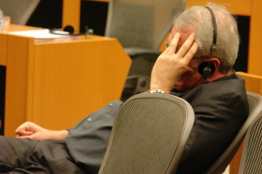 Sitzt für Deutschland im EP. Rainer Wieland CDU. RECHTSANWALT. Weist die Kritik der vortragenden Petenten durch Herunterschrauben der menschlichen Dramen auf die monetäre Schiene der Unterhaltszahlungen zurück, greift Boulland an und verteidigt seine Kollegen aus Justiz in Deutschland - also genau die Klientel, die an der Scheidungsindustrie zuhauf partizipiert und zur Eltern-Kind-Entfremdung massiv beiträgt. Die Verletzer der Menschenrechte.