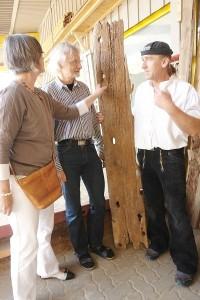 Sanierungslust. Das Architektenehepaar Sabine und Werner Temming bei Thomas Kern. Seine Liebe teilt der Fachmann mit seiner Frau Jeanette. Handwerk Holzbau.