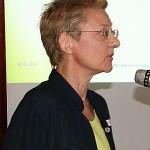 Angela Hoffmeyer beim Vortrag.