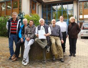 Vorkämpfer gegen kid - eke - pas. Werner Hoeckh - Bildmitte - aus Asperg erwirkte einen Beschluss des Bundesgerichtshofes gegen das Jugendamt Schleiz.