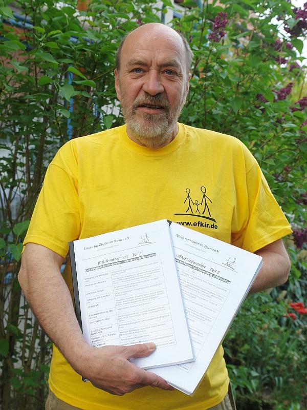 Thomas Wiechert. Aktivist im EfKiR. Verein 'Eltern für Kinder im Revier' aus Essen. Zwei hilfreiche Broschüren. Ausgearbeitet für Betroffene und von Jugendamt und Justiz Geschädigte.