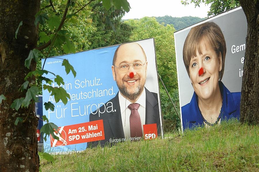 Martin und Angela. Ein Paar in der Manege ? Oder stehen sie den europäischen Alltag auch politisch durch ?