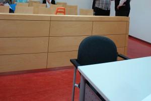 Zeugenstand. Landgericht Kaiserslautern. Mehrere Zeugen vernommen.