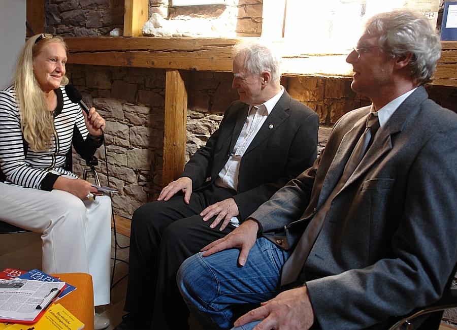 ARCHE-STUDIO im LebeGut-Haus. Heiderose Manthey interviewt Claus Plantiko und Matthias Engl.