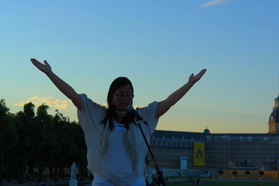 ARCHE-MEDIT. Weltweite Friedens-Meditation. Karin Heim führt durch die Meditation. Einmal im Monat auch im LebeGut-Haus Waldbronn.