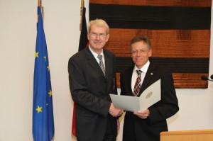 Verleihung des Bundesverdienstkreuz an Dr. Albert Wunsch. Foto mit freundlicher Genehmigung Albert Wunsch.