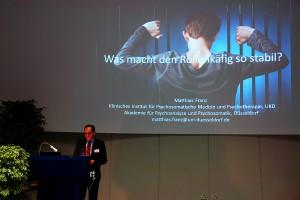 Prof. Dr. Matthias Franz. Was macht den Rollenkäfig so stabil ?