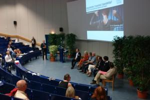 Podiumsgäste. Diskutieren die Erreichbarkein von Gesundheit bei Jungen und Männern.