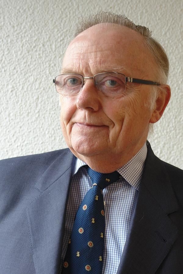 Deckt den Skandal und die Machenschaften im Falle Gustl Mollath auf. Prof. Dr. Klemens Dieckhöfer.