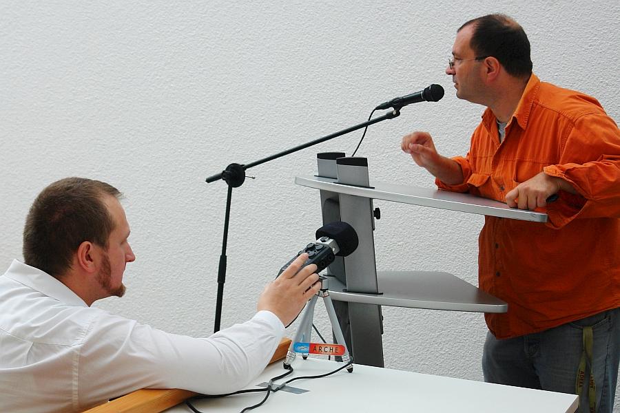 Bereiten sich auf die Aufnahmetechnik vor: Dragan Pawlowitsch und Juri Harwardt. Fillmer.