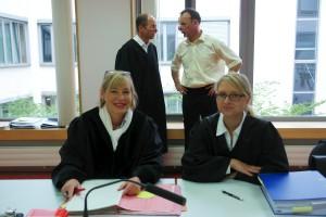 Medienreferent und Vorsitzender Richter am Landgericht Kaiserslautern, Michael Stiefenhöfer, wies ARCHE vor Prozessbeginn in ihre Veröffentlichungsrechte am Landgericht ein.
