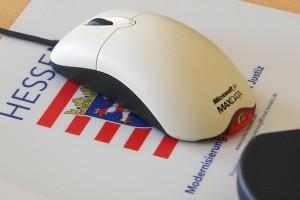 Auf dem mousepad steht: Modernisierung der Justiz. Wie wird also das Urteil ausgehen ?