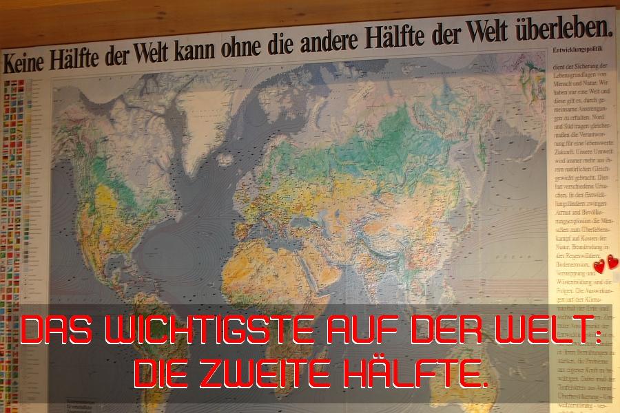 Gefunden. Weltkarte mit tiefem Grund.
