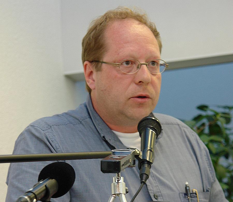 Dipl. Sozialpädagoge Klaus-Uwe Kirchhoff spricht zur Eltern-Kind-Entfremdung in Deutschland auf dem Symposium der Gießener Akademischen Gesellschaft.