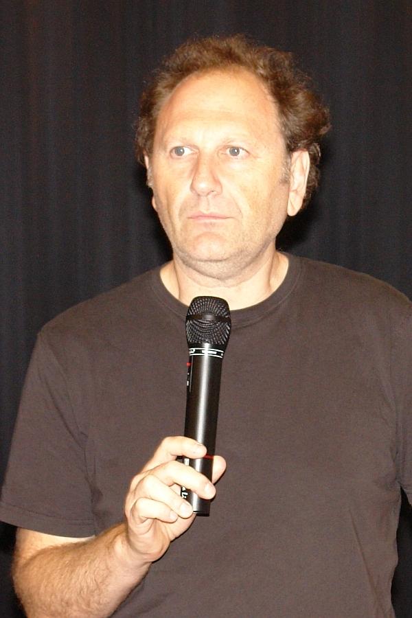 Regisseur Douglas Wolfsperger hier im Gespräch mit dem Publikum im Kommunalen Kino in Pforzheim.