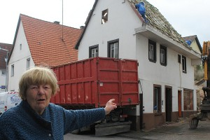 ARCHE-Foto Keltern-Weiler Söllingen Abbruch eines historischen Gebäudes Schmiede_02