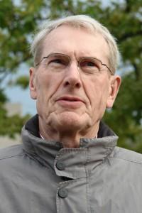 Dr. Albert Wunsch ist Erziehungswissenschaftler, Psychologe, Konflikt-Coach,  Paar- und Erziehungsberater.