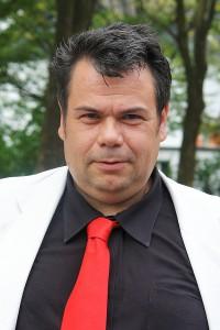 Thomas Saschenbrecker und Dr. David Schneider-Addae-Mensah morgen in Karlsruhe vor dem Amtsgericht.