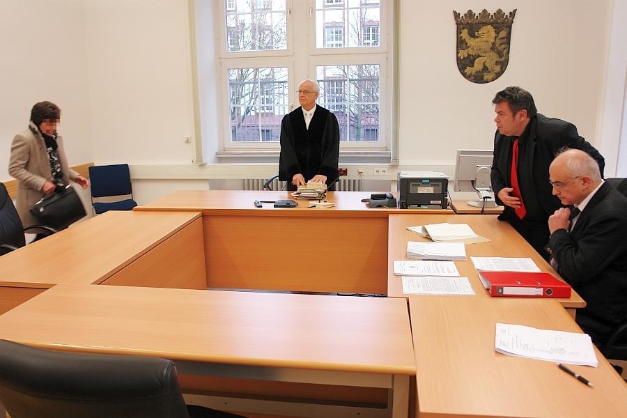 Landgericht Gießen. Gießen Landgericht Dr. Rüdiger Nierwetberg. Vorsitzender Richter.