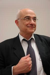 Prof. Dr. Aris Christidis. Auf dem Weg zur Klarheit und Wahrheit.
