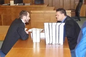 Der angeklagte Vater NÜRNBERGER PROZESSE gegen einen Vater. Daniel Grumpelt und sein Verteidiger Maximilian Kaiser.
