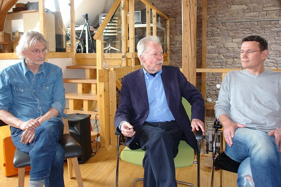 Im Gespräch mit den Zuschauern im ARCHE TV - Studio im LebeGut-Haus: Werner Temming, Prof. Dr. Wolfgang Berger und Ralph Suikat.