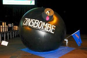 Einer der Vernichtungsfaktioren:Die Zinsbombe.