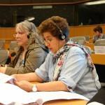 """Andrea Jacob spricht in Brüssel im Petitionsausschuss """"Folter in Deutschland""""."""