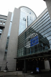 Putins Blick auf das Europaparlament: Jetzt spaltet er !