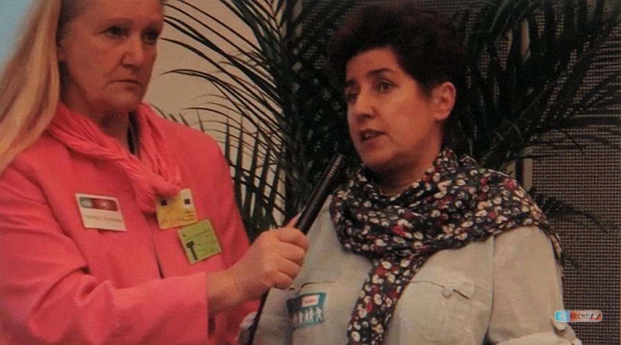 Heiderose Manthey interviewt Andrea Jacob im Europäischen Parlament in Brüssel.