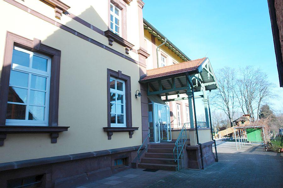 Ev. Kindergarten in Keltern-Weiler schweigt zu den Anschuldigungen bei der Polizei.