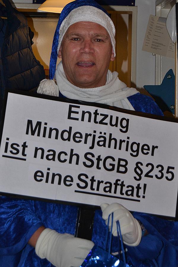 """Fritz-Peter Kierski ist """"DER BLAUE WEIHNACHTSMANN"""""""