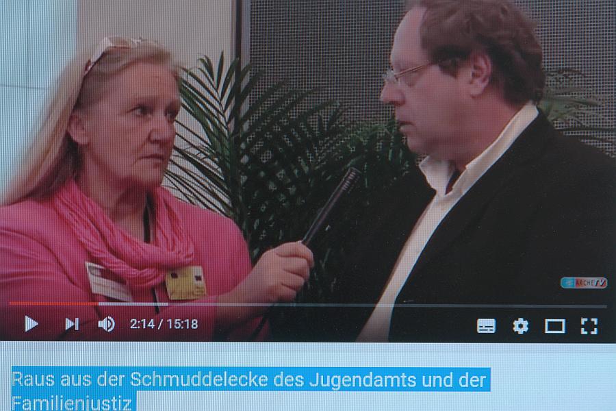 Heiderose Manthey interviewt Klaus-Uwe Kirchhoff.