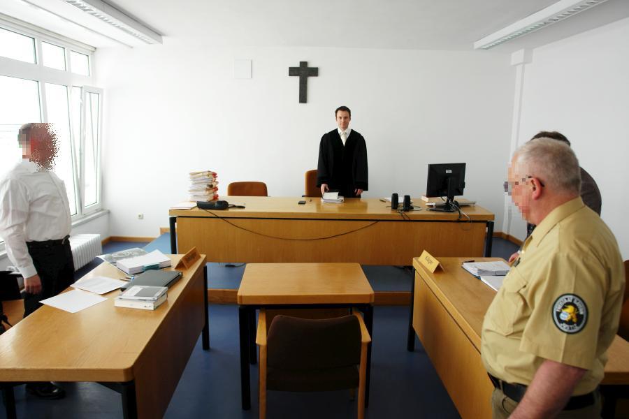 Das muss aufhören ! Gerichtsprozess GEGEN einen Familienvater. Amtsgericht München.