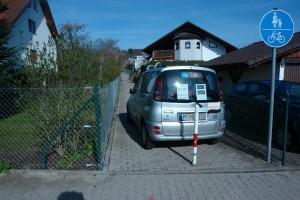 ARCHE Kurzfristig eingepferchtes ARCHE-Auto_00