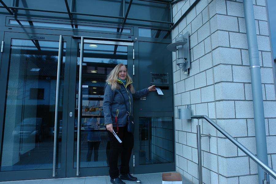 Klopft beständig an den Pforten des Bürgermeisteramtes: Heiderose Manthey, Leiterin der ARCHE, will kid - eke - pas überwinden mit Hilfe der Bürger von Keltern.
