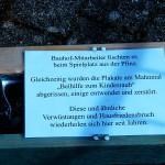 Bauhofmitarbeiter fischten das Holzkreuz aus der Pfinz.