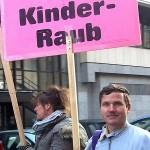 Steffen Raabe. Mitorganisator und Aktivist zur Überwindung von kid - eke - pas.