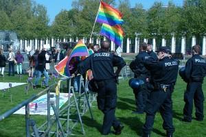 ARCHE Polizeieinsatz Wiesbaden GEGEN Frühsexualisieurng Symposium_17