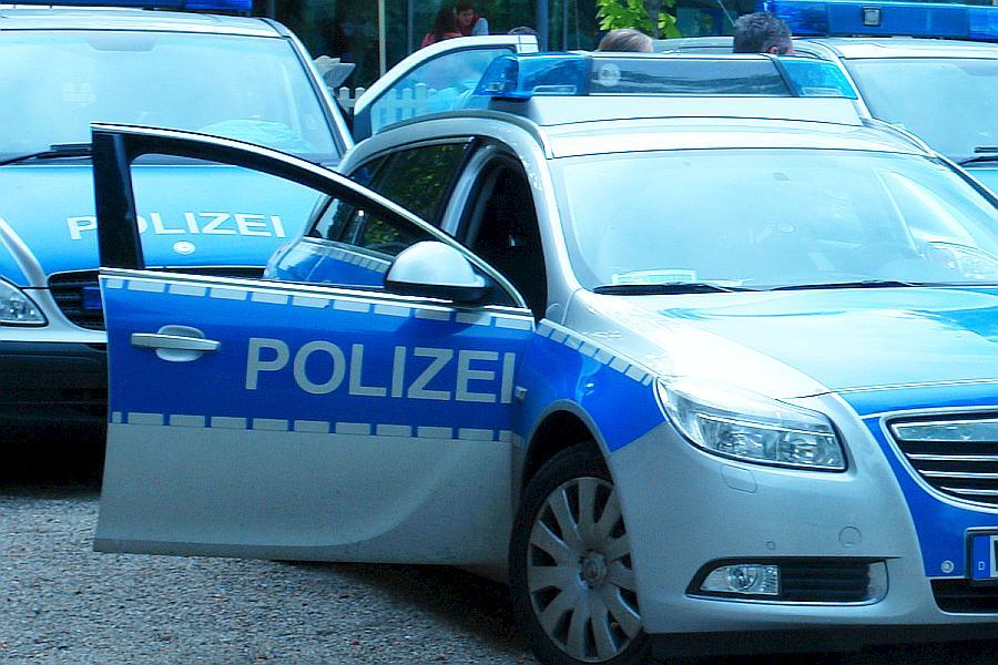 ARCHE Polizeieinsatz Wiesbaden GEGEN Frühsexualisieurng Symposium_53a