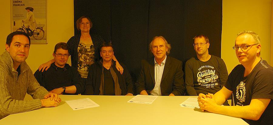 Geben aktive Hilfe, Beratung und auch umfassende Informationen zur Thematik. VAfK Kiel. Karl-Heinz Eckert (5. von links).