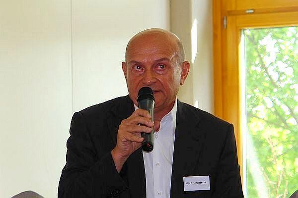 ARCHE Dr. Dieter Katterle Facharzt für Psychiatrie Bürgerkrieg _00a