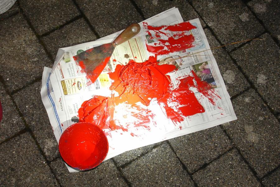 ARCHE Farbbeutel-Anschlag auf ARCHE_14
